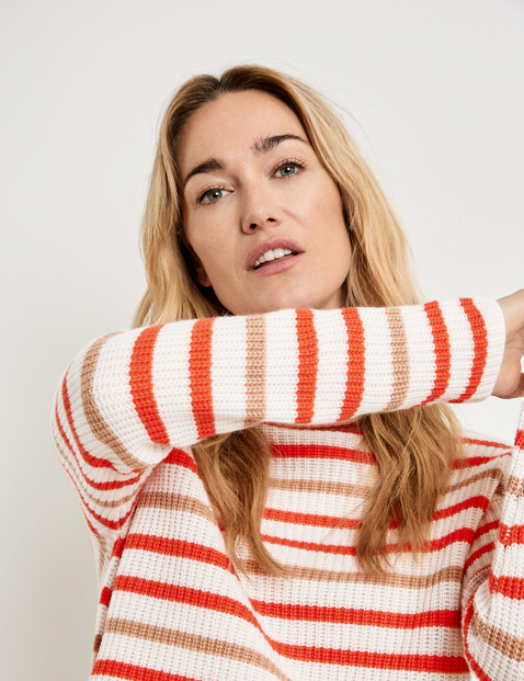 Striped jumper made of wool and cashmere