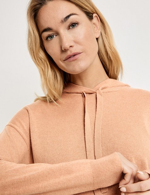 Hooded jumper in wool/cashmere