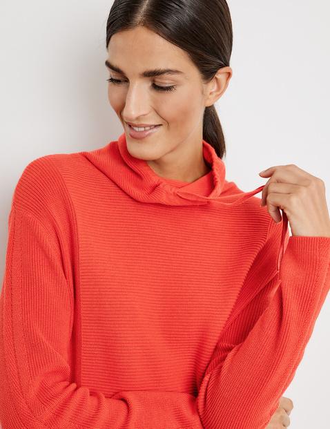 Fakturowany sweter, certyfikat GOTS