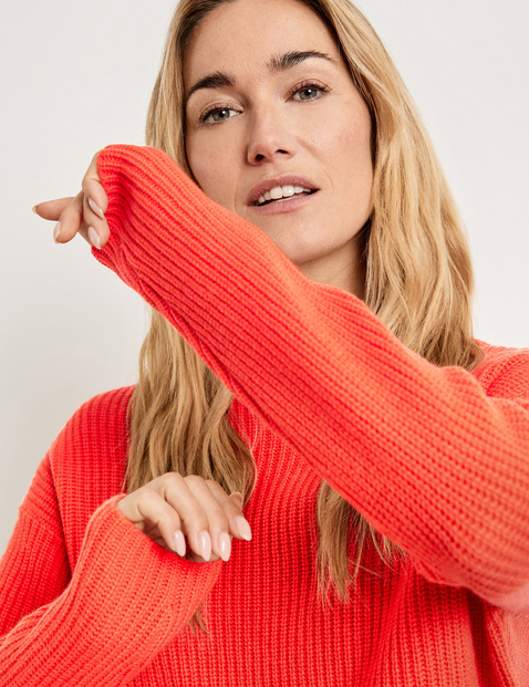 Jumper with a stand-up collar in wool and cashmere