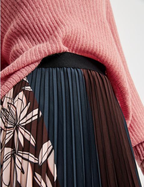 Plisowana spódnica z blokowym wzorem