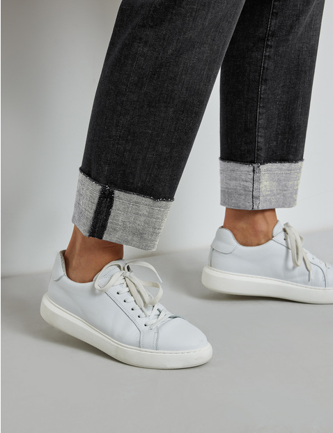 Jeans with turn-ups