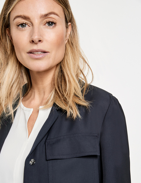 Bomber jacket with lapel
