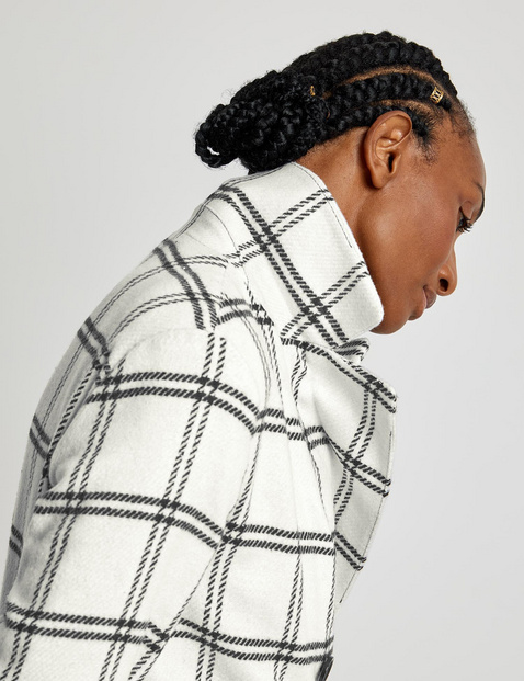 Check blazer with 3/4-length sleeves