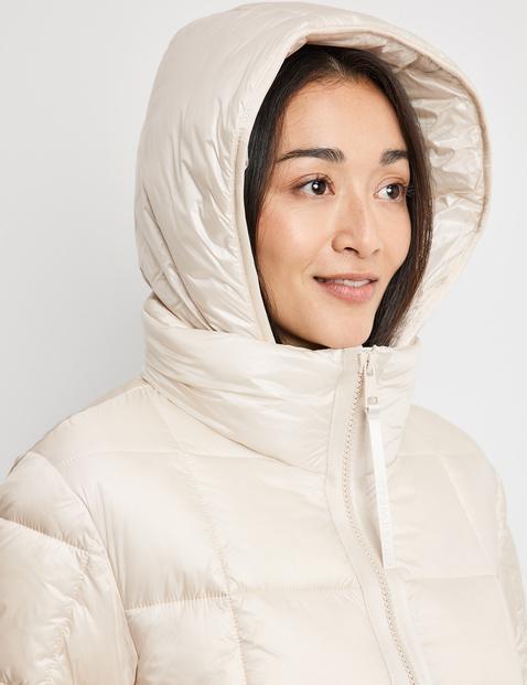 Mantel met vierkante stiksels