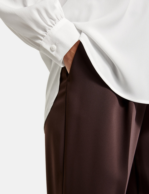 Long sleeve blouse with balloon sleeves