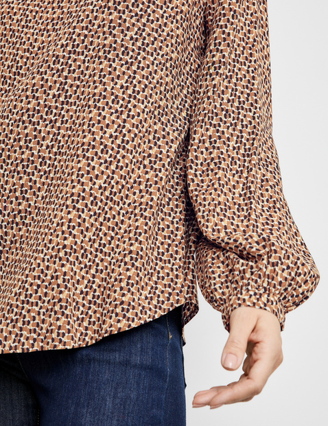 EcoVero long sleeve blouse with a pattern