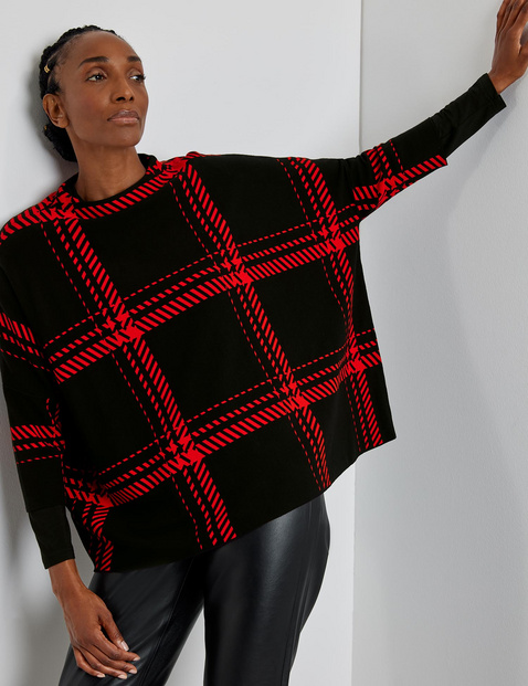 Oversized jumper with 3/4-length sleeves