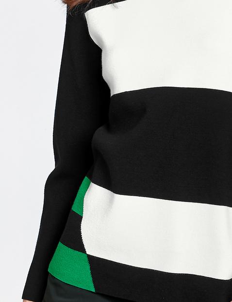 Pullover mit asymmetrischem Muster