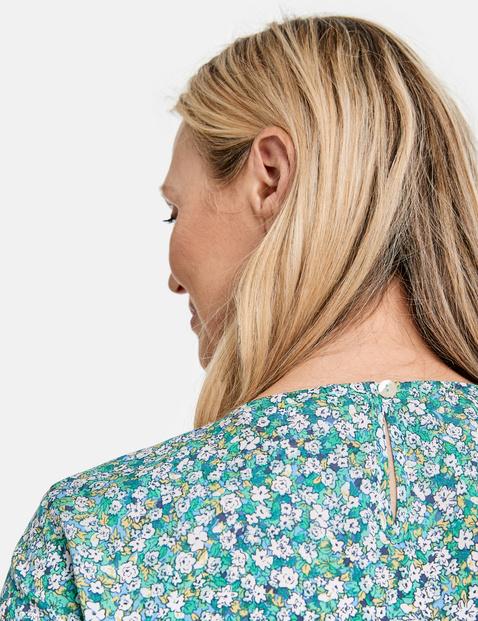 Bluzkowy top w drobne kwiatki