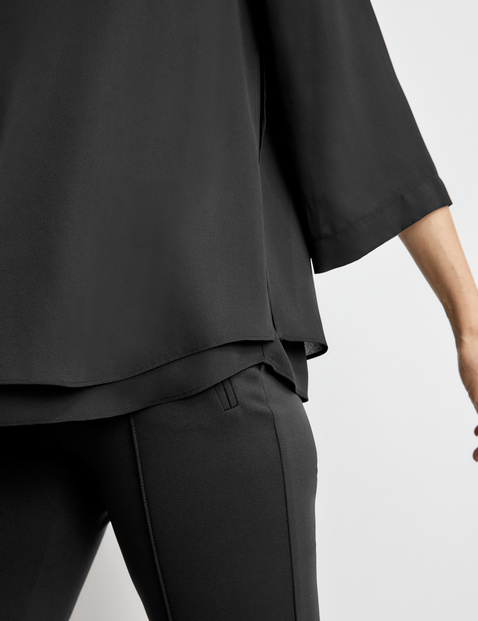 Breezy blouse with 3/4-length sleeves