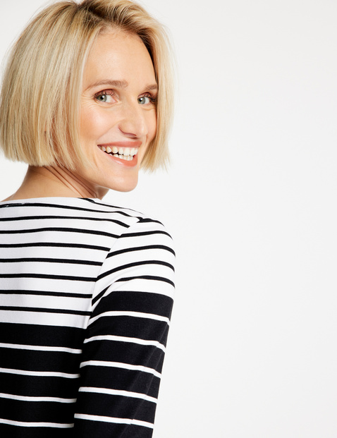 Striped 3/4-sleeve top