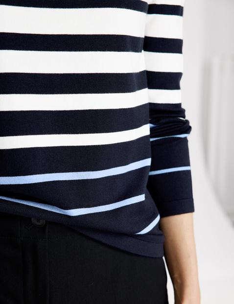 Pullover mit Streifenverlauf